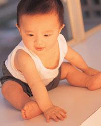 婴儿期的体能训练分4阶段!