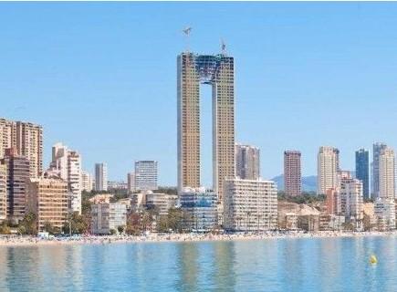 西班牙建47层摩天大楼 即将完工发现忘记设计电梯!