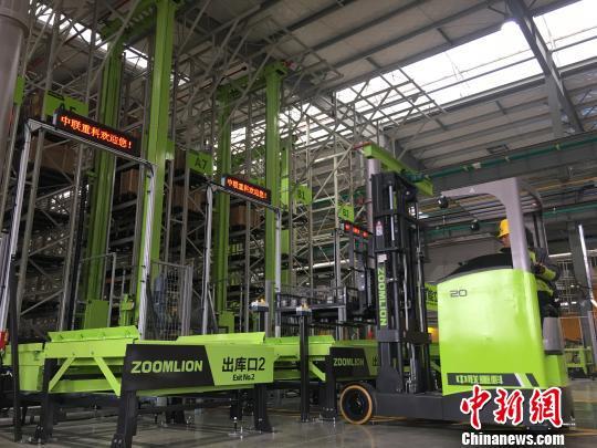 中联重科投资7.8亿元建塔机智能工厂110分钟下线一台塔机
