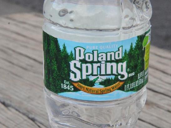 图为雀巢旗下Poland Spring品牌矿泉水