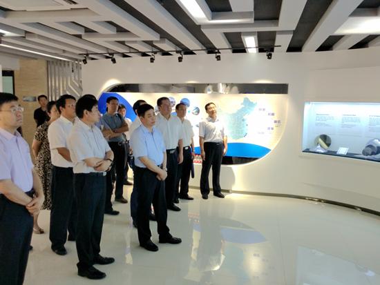 张峰在济南调研中小企业优惠政策落实情况