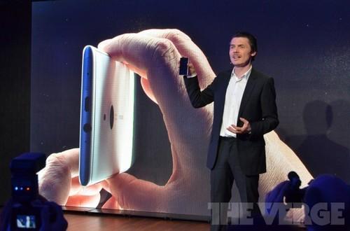 铝制边框 诺基亚旗舰Lumia 925正式发布